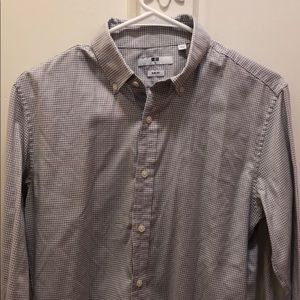 Uniqlo long sleeve slim fit button down